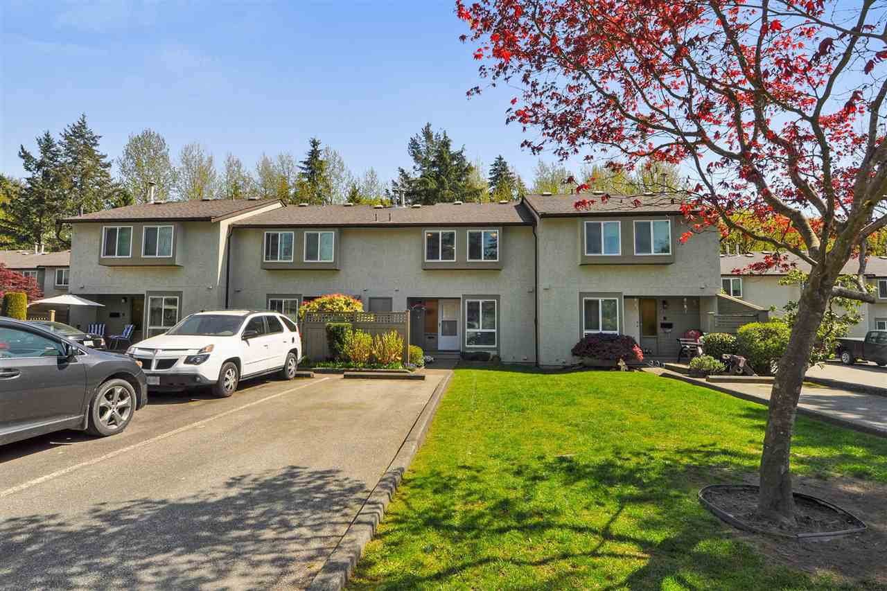 "Main Photo: 42 3190 TAHSIS Avenue in Coquitlam: New Horizons Townhouse for sale in ""New Horizons Estates"" : MLS®# R2262237"