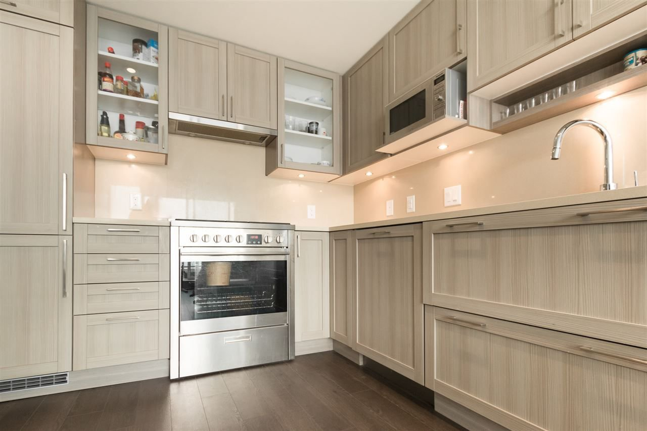 Photo 9: Photos: 1801 5665 BOUNDARY Road in Vancouver: Collingwood VE Condo for sale (Vancouver East)  : MLS®# R2299363