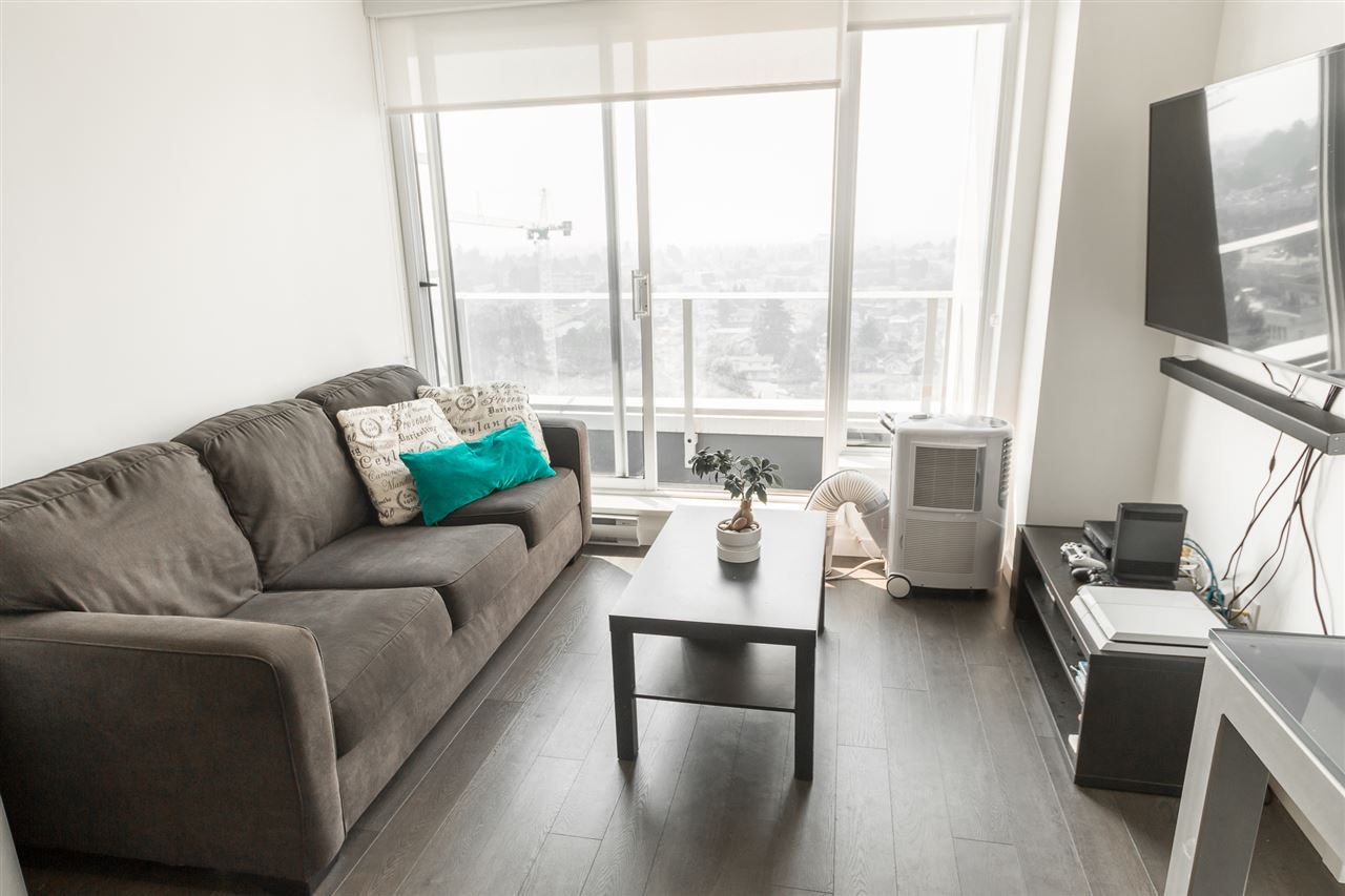 Photo 2: Photos: 1801 5665 BOUNDARY Road in Vancouver: Collingwood VE Condo for sale (Vancouver East)  : MLS®# R2299363