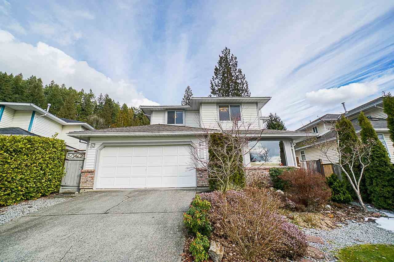 Main Photo: 621 BENTLEY Road in Port Moody: North Shore Pt Moody House for sale : MLS®# R2344544