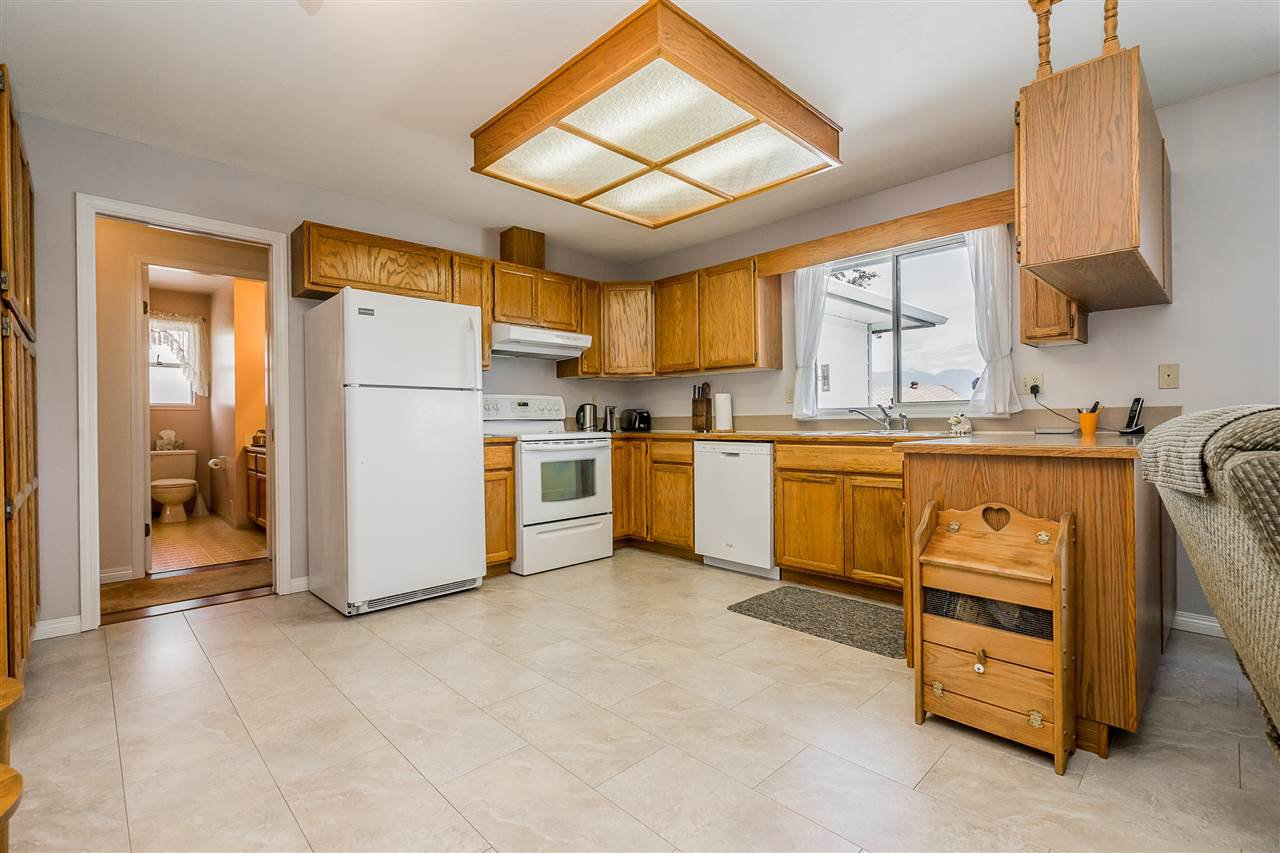 """Photo 7: Photos: 21915 ISAAC Crescent in Maple Ridge: West Central House for sale in """"Davison Subdivision"""" : MLS®# R2377611"""