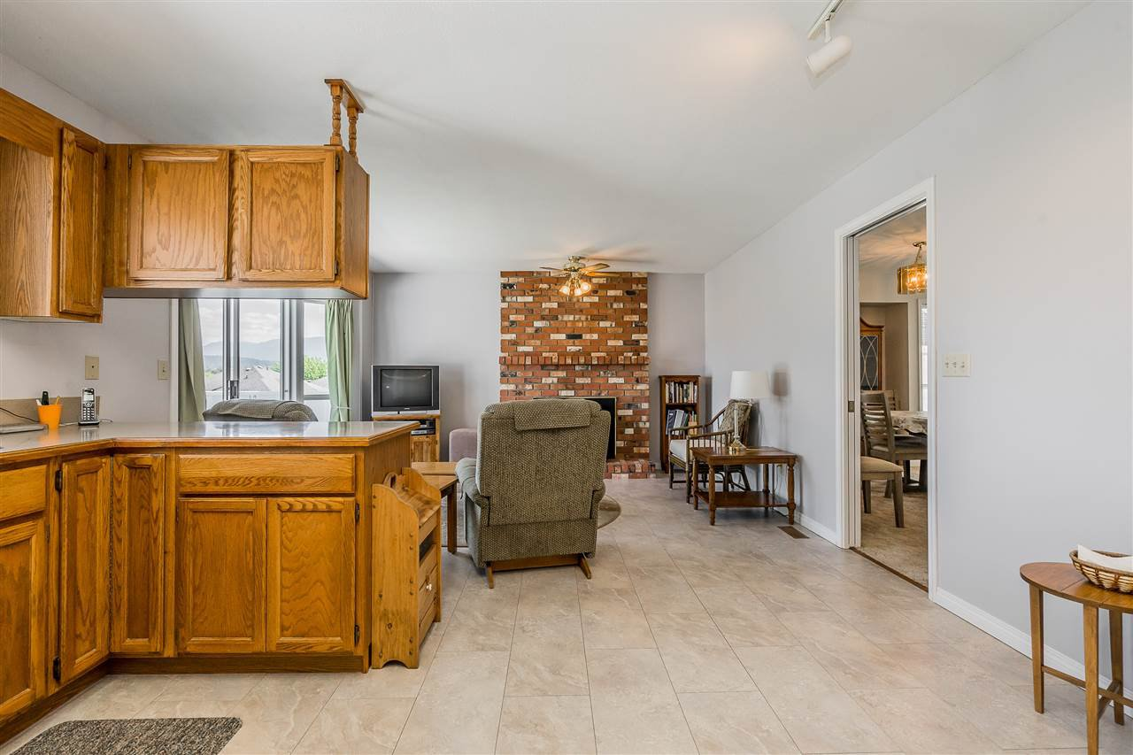 """Photo 9: Photos: 21915 ISAAC Crescent in Maple Ridge: West Central House for sale in """"Davison Subdivision"""" : MLS®# R2377611"""
