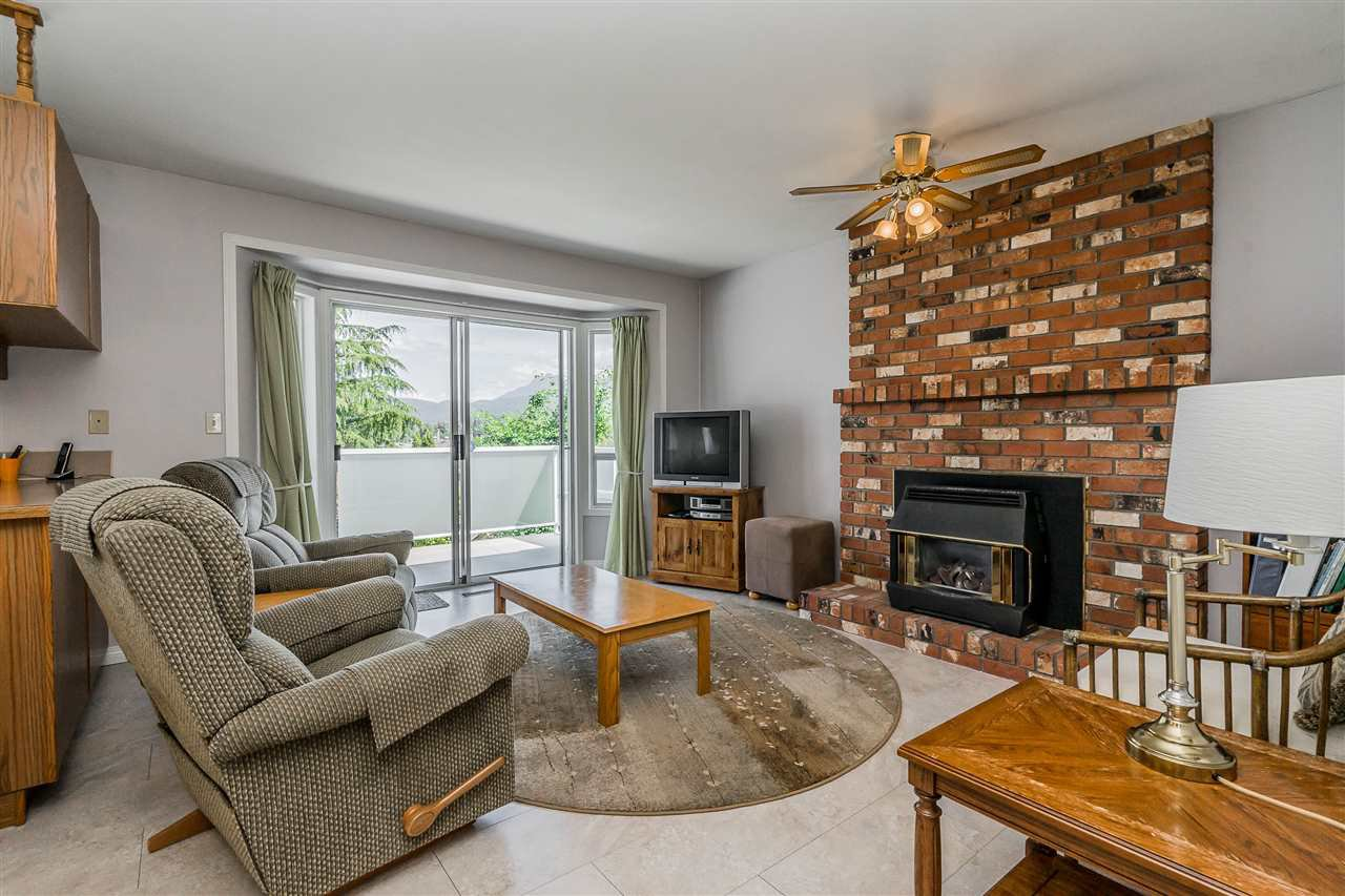 """Photo 10: Photos: 21915 ISAAC Crescent in Maple Ridge: West Central House for sale in """"Davison Subdivision"""" : MLS®# R2377611"""