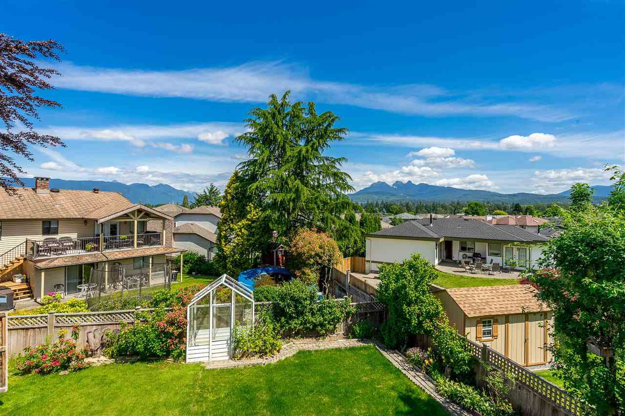 """Photo 3: Photos: 21915 ISAAC Crescent in Maple Ridge: West Central House for sale in """"Davison Subdivision"""" : MLS®# R2377611"""