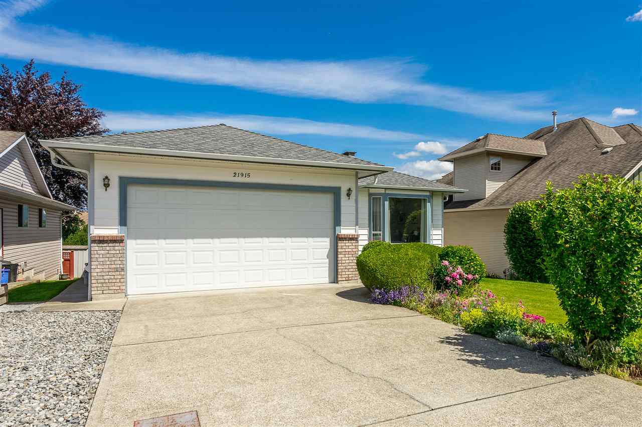 """Photo 2: Photos: 21915 ISAAC Crescent in Maple Ridge: West Central House for sale in """"Davison Subdivision"""" : MLS®# R2377611"""