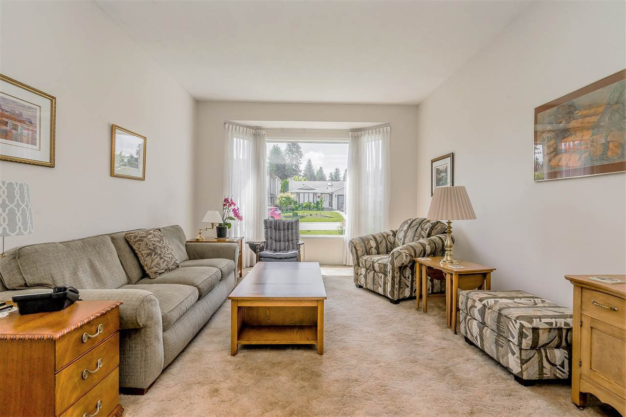 """Photo 4: Photos: 21915 ISAAC Crescent in Maple Ridge: West Central House for sale in """"Davison Subdivision"""" : MLS®# R2377611"""