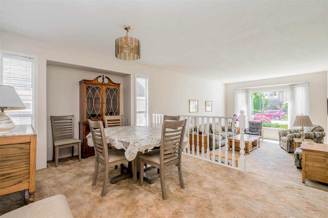 """Photo 5: Photos: 21915 ISAAC Crescent in Maple Ridge: West Central House for sale in """"Davison Subdivision"""" : MLS®# R2377611"""