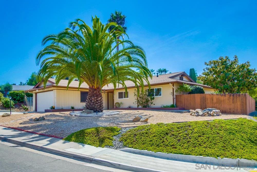 Main Photo: RANCHO BERNARDO House for sale : 3 bedrooms : 16370 Bernardo Oaks Drive in San Diego