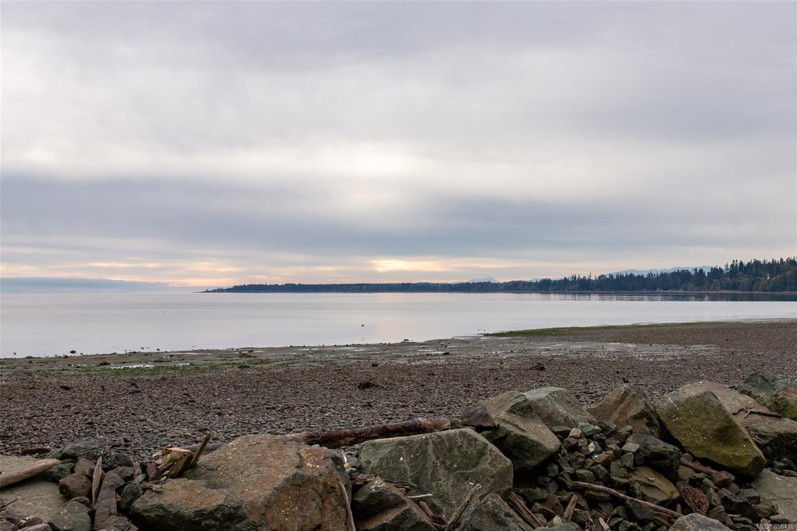 Main Photo: Map location: 3915 S Island Hwy in : CR Campbell River South House for sale (Campbell River)  : MLS®# 858416