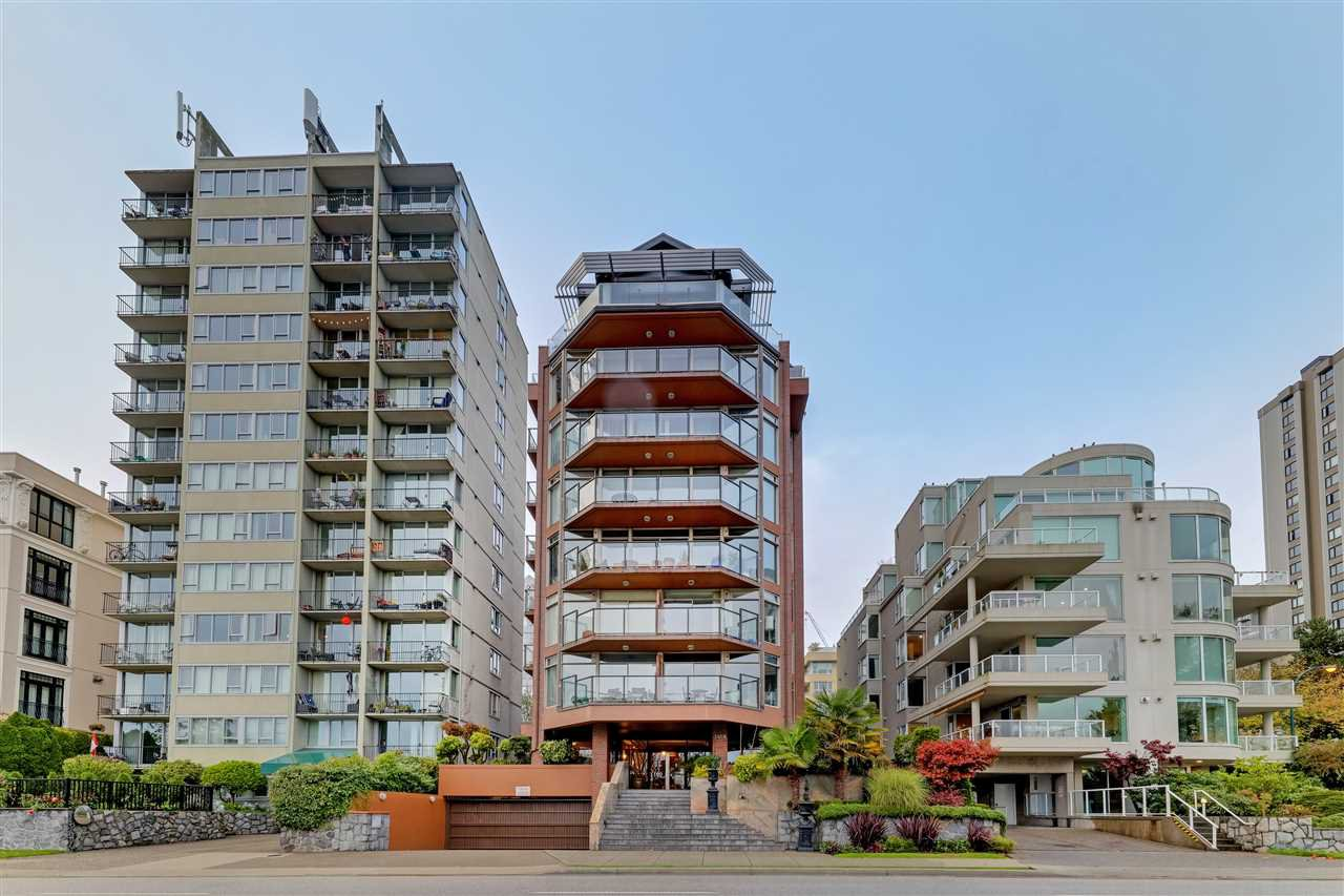 "Main Photo: 301 1419 BEACH Avenue in Vancouver: West End VW Condo for sale in ""1419 Beach"" (Vancouver West)  : MLS®# R2511212"