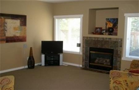 Photo 5: Photos: : Residential for sale (Gordon Head)  : MLS®# 252595