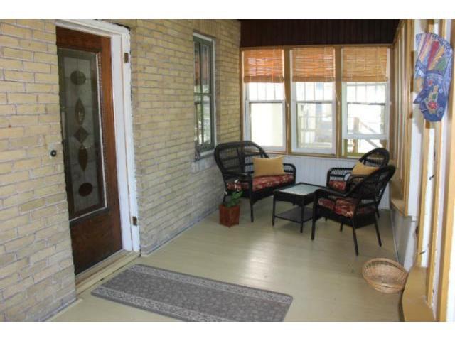 Photo 2: Photos: 193 Hill Street in WINNIPEG: St Boniface Residential for sale (South East Winnipeg)  : MLS®# 1213719