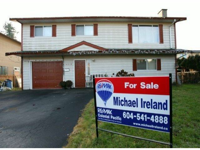 Main Photo: 14518 89 AV in Surrey: Bear Creek Green Timbers House for sale : MLS®# F1401430