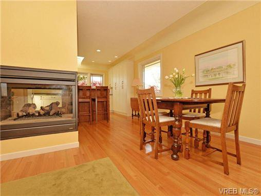 Photo 5: Photos: 89 Wellington Ave in VICTORIA: Vi Fairfield West House for sale (Victoria)  : MLS®# 698630
