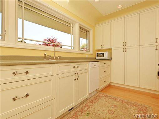 Photo 9: Photos: 89 Wellington Ave in VICTORIA: Vi Fairfield West House for sale (Victoria)  : MLS®# 698630