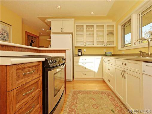 Photo 8: Photos: 89 Wellington Ave in VICTORIA: Vi Fairfield West House for sale (Victoria)  : MLS®# 698630