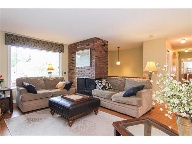 Photo 10: Photos: 416 RUNDLEHILL Way NE in Calgary: Rundle House for sale : MLS®# C4015836