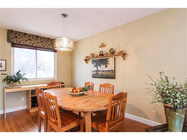 Photo 13: Photos: 416 RUNDLEHILL Way NE in Calgary: Rundle House for sale : MLS®# C4015836