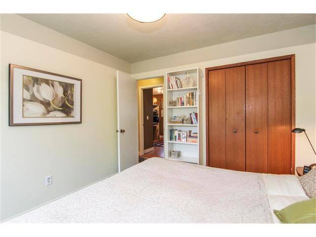 Photo 26: Photos: 416 RUNDLEHILL Way NE in Calgary: Rundle House for sale : MLS®# C4015836