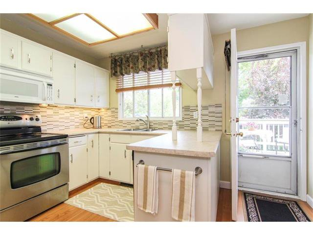 Photo 19: Photos: 416 RUNDLEHILL Way NE in Calgary: Rundle House for sale : MLS®# C4015836