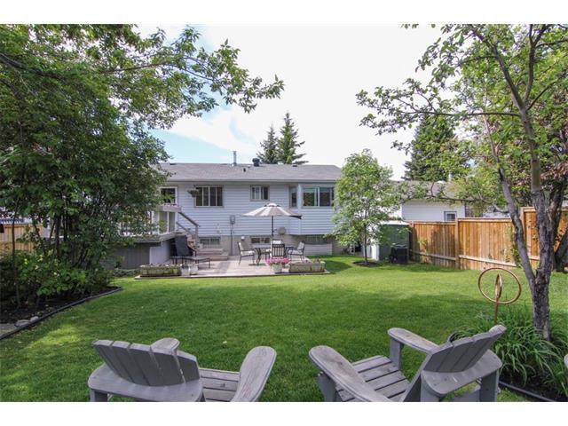 Photo 6: Photos: 416 RUNDLEHILL Way NE in Calgary: Rundle House for sale : MLS®# C4015836