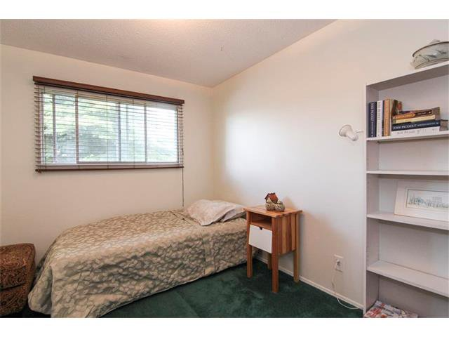 Photo 27: Photos: 416 RUNDLEHILL Way NE in Calgary: Rundle House for sale : MLS®# C4015836
