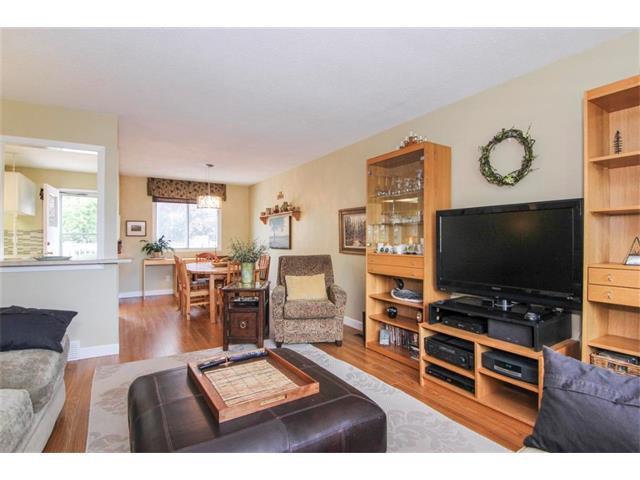 Photo 11: Photos: 416 RUNDLEHILL Way NE in Calgary: Rundle House for sale : MLS®# C4015836