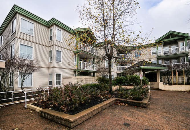 """Main Photo: 306 10678 138A Street in Surrey: Whalley Condo for sale in """"CRESTVIEW COURT"""" (North Surrey)  : MLS®# R2023898"""