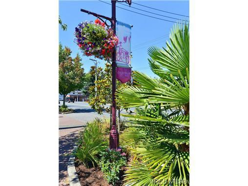 Photo 18: Photos: 205 844 Goldstream Ave in VICTORIA: La Langford Proper Condo for sale (Langford)  : MLS®# 739641