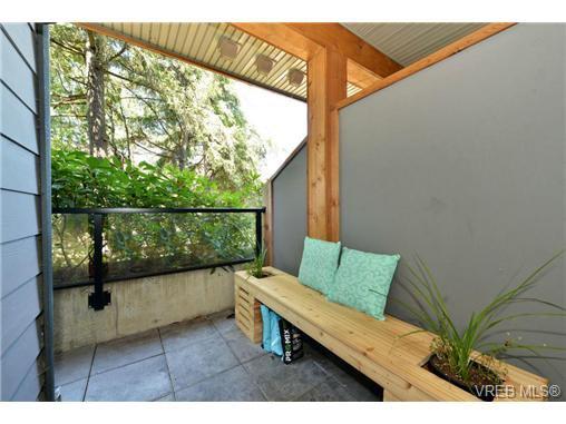 Photo 6: Photos: 205 844 Goldstream Ave in VICTORIA: La Langford Proper Condo for sale (Langford)  : MLS®# 739641