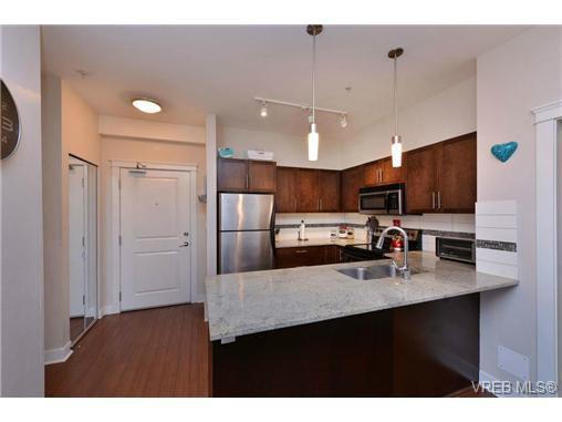 Photo 3: Photos: 205 844 Goldstream Ave in VICTORIA: La Langford Proper Condo for sale (Langford)  : MLS®# 739641