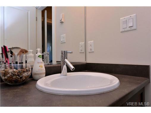 Photo 11: Photos: 205 844 Goldstream Ave in VICTORIA: La Langford Proper Condo for sale (Langford)  : MLS®# 739641