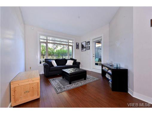Photo 2: Photos: 205 844 Goldstream Ave in VICTORIA: La Langford Proper Condo for sale (Langford)  : MLS®# 739641