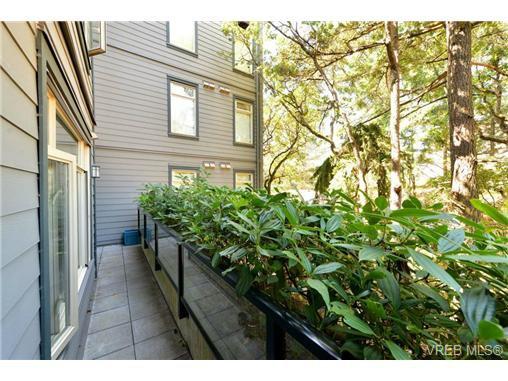 Photo 7: Photos: 205 844 Goldstream Ave in VICTORIA: La Langford Proper Condo for sale (Langford)  : MLS®# 739641
