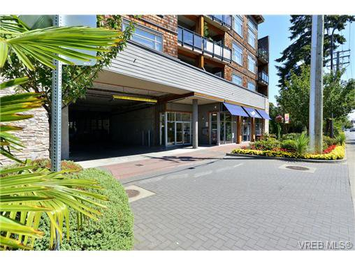 Photo 17: Photos: 205 844 Goldstream Ave in VICTORIA: La Langford Proper Condo for sale (Langford)  : MLS®# 739641