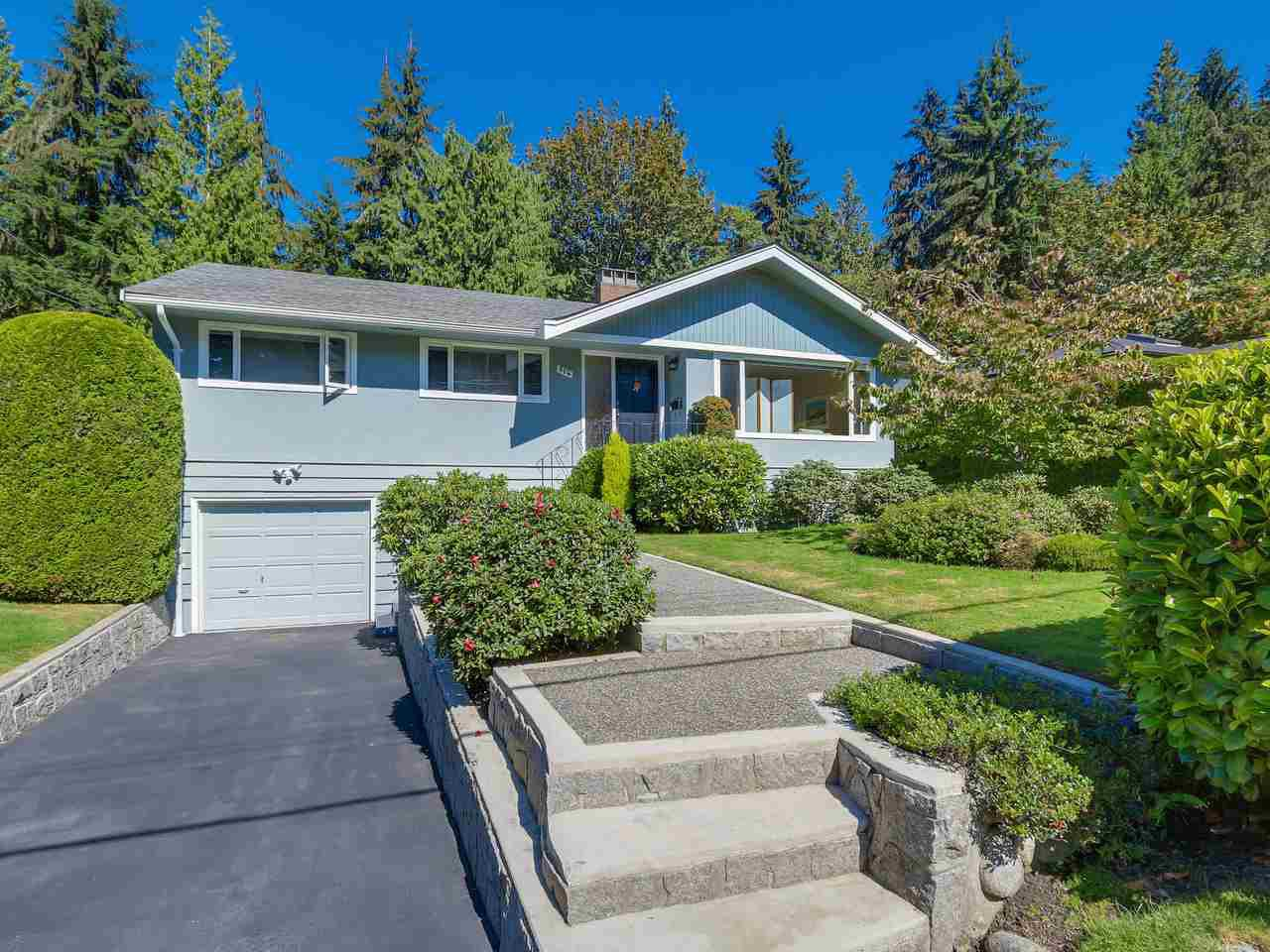 "Main Photo: 974 BELVEDERE Drive in North Vancouver: Canyon Heights NV House for sale in ""Canyon Heights"" : MLS®# R2106348"