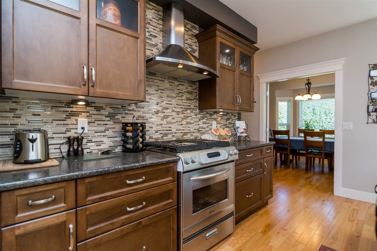 Photo 5: Photos: 2838 CAMBRIDGE Street in Abbotsford: Central Abbotsford House for sale : MLS®# R2108926