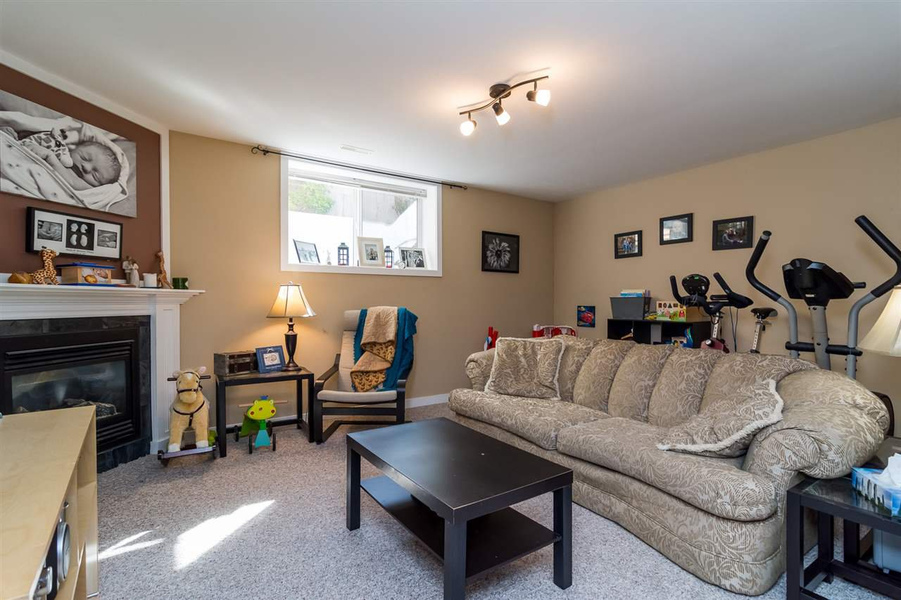 Photo 17: Photos: 2838 CAMBRIDGE Street in Abbotsford: Central Abbotsford House for sale : MLS®# R2108926