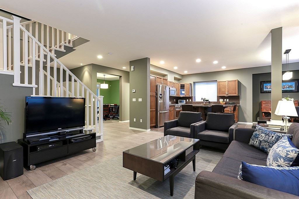 """Photo 5: Photos: 11 ALDER Drive in Port Moody: Heritage Woods PM House for sale in """"FOREST EDGE"""" : MLS®# R2133564"""