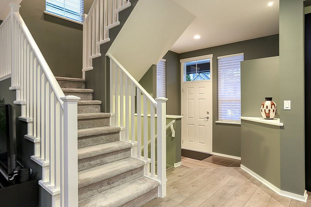 """Photo 3: Photos: 11 ALDER Drive in Port Moody: Heritage Woods PM House for sale in """"FOREST EDGE"""" : MLS®# R2133564"""