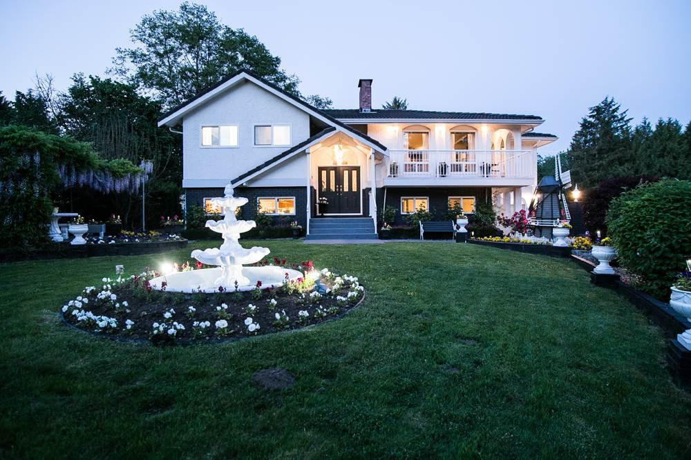 Main Photo: 9272 177 Street in Surrey: Port Kells House for sale (North Surrey)  : MLS®# R2170812