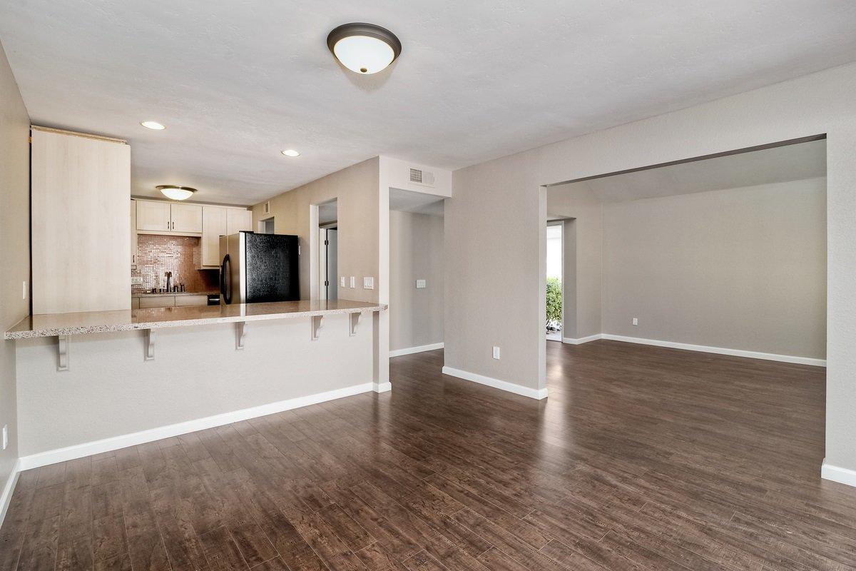 Photo 7: Photos: SCRIPPS RANCH Condo for sale : 3 bedrooms : 9973 Caminito Tomatillo in San Diego