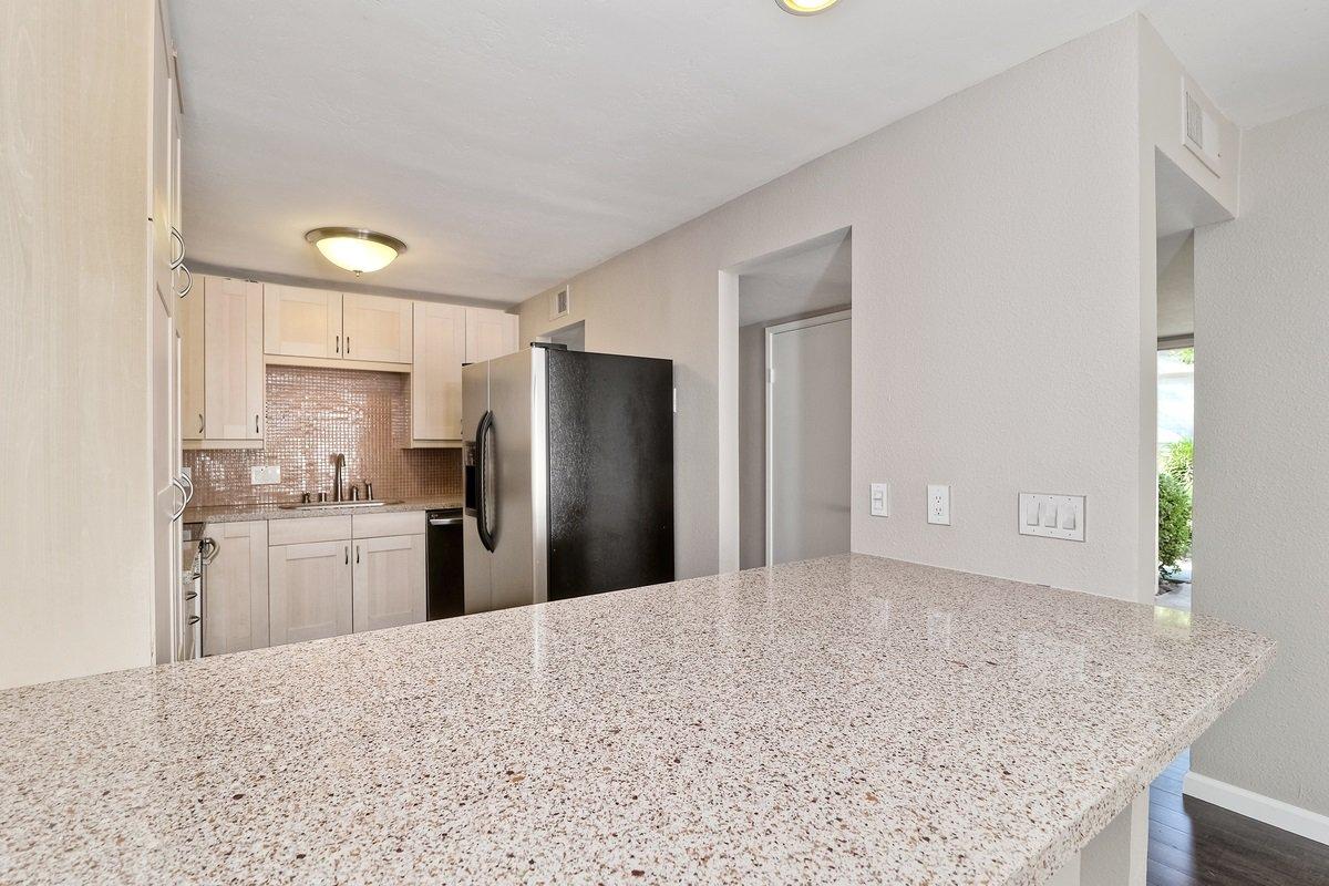 Photo 11: Photos: SCRIPPS RANCH Condo for sale : 3 bedrooms : 9973 Caminito Tomatillo in San Diego