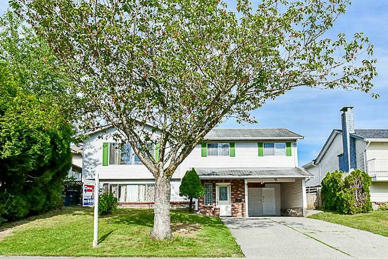 Main Photo: 9394 138A Street in Surrey: Bear Creek Green Timbers House for sale : MLS®# R2176934