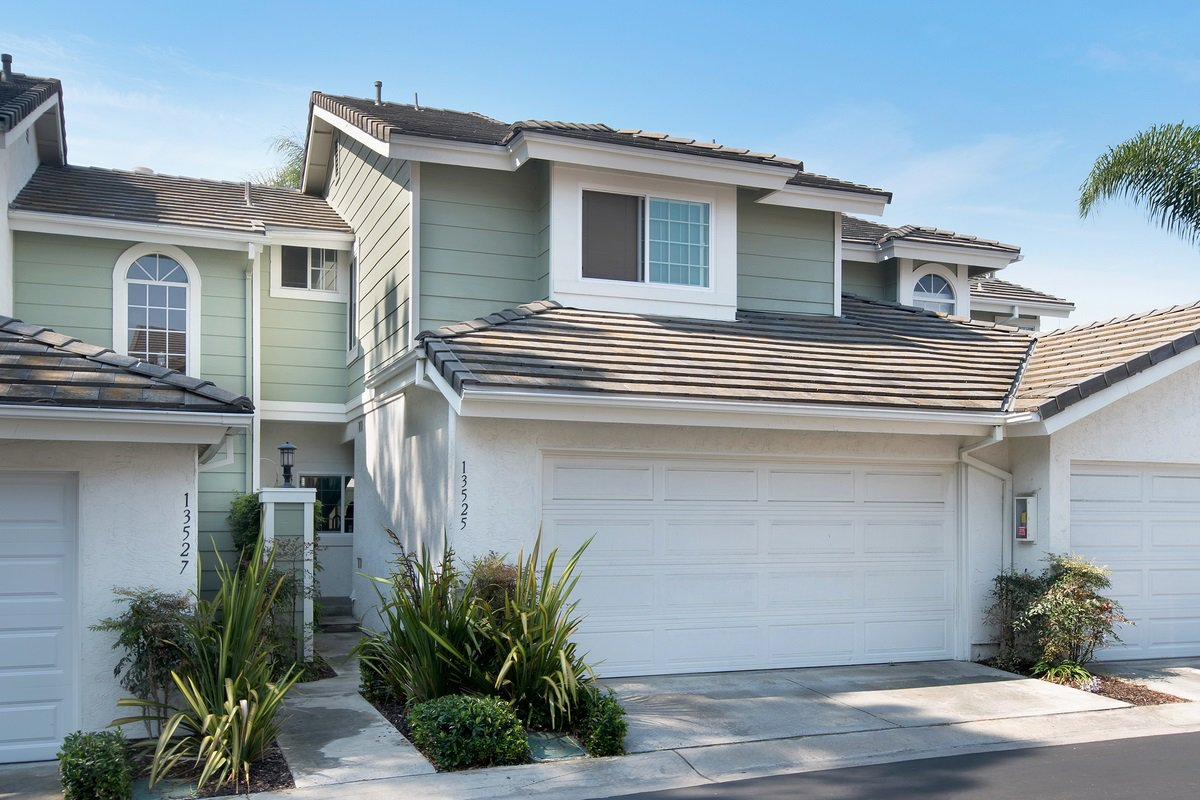 Main Photo: CARMEL VALLEY Condo for sale : 2 bedrooms : 13525 Tiverton Road in San Diego
