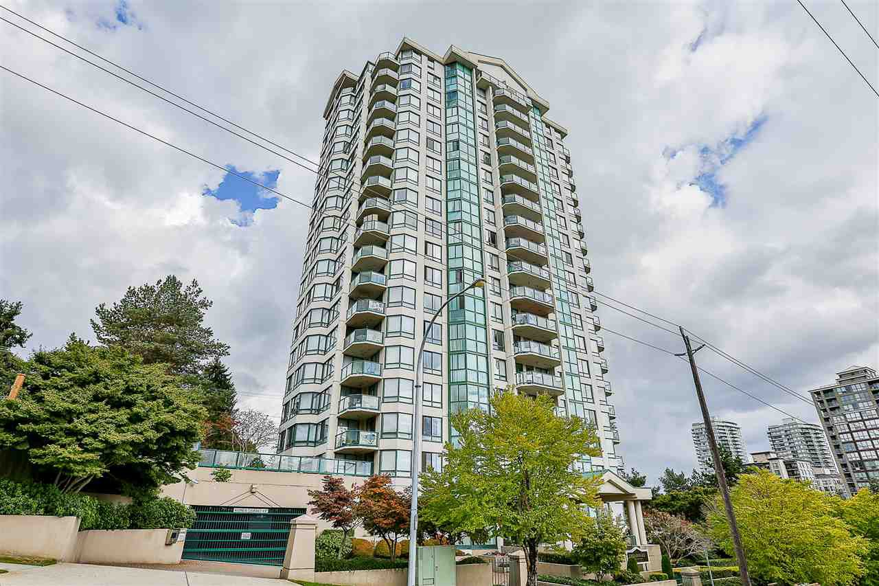"Main Photo: 806 121 TENTH Street in New Westminster: Uptown NW Condo for sale in ""VISTA ROYALE"" : MLS®# R2217582"