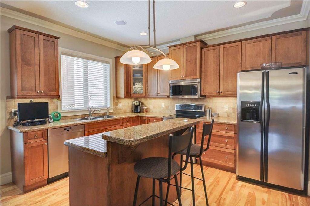 Photo 8: Photos: 2 2328 2 Avenue NW in Calgary: West Hillhurst House for sale : MLS®# C4160636