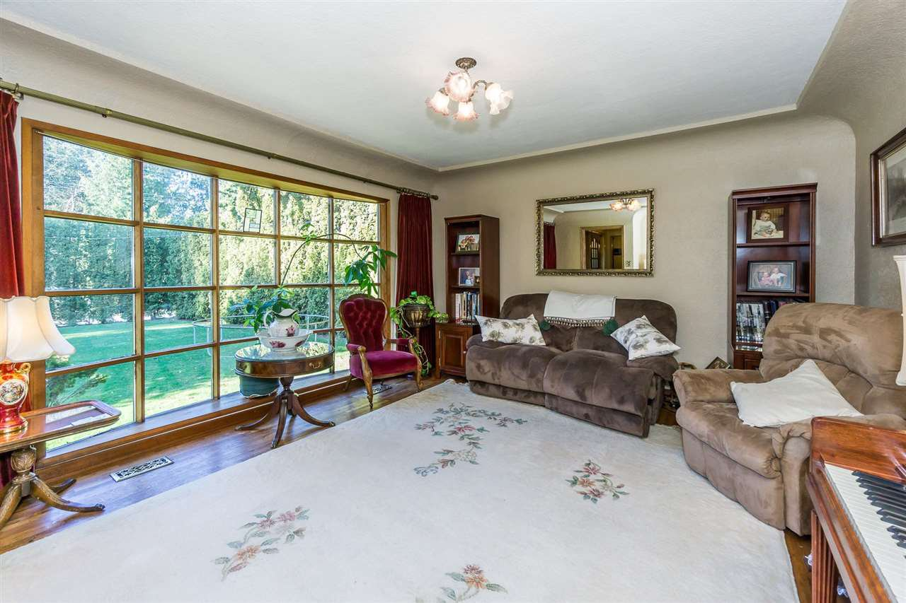 "Photo 16: Photos: 5568 MT LEHMAN Road in Abbotsford: Bradner House for sale in ""MT LEHMAN"" : MLS®# R2239900"