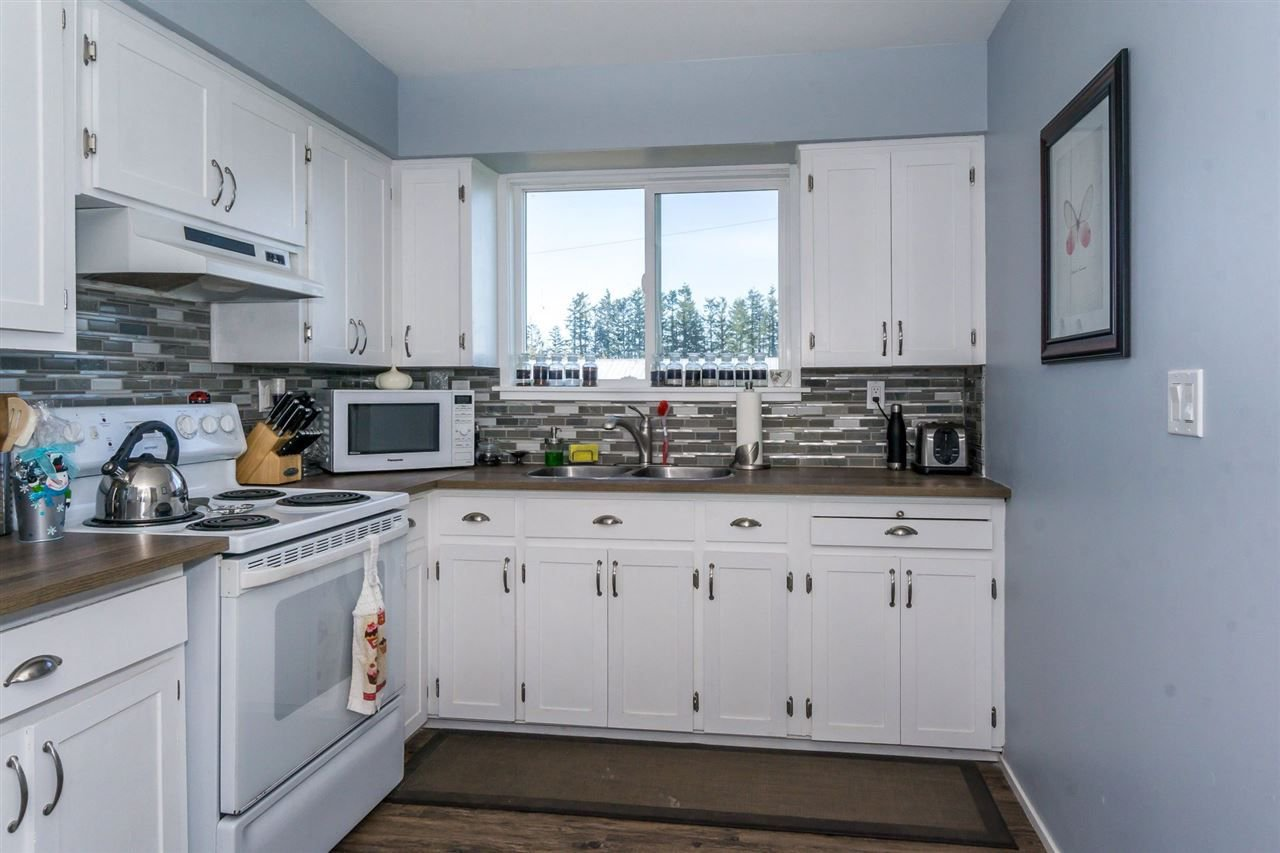 "Photo 19: Photos: 5568 MT LEHMAN Road in Abbotsford: Bradner House for sale in ""MT LEHMAN"" : MLS®# R2239900"