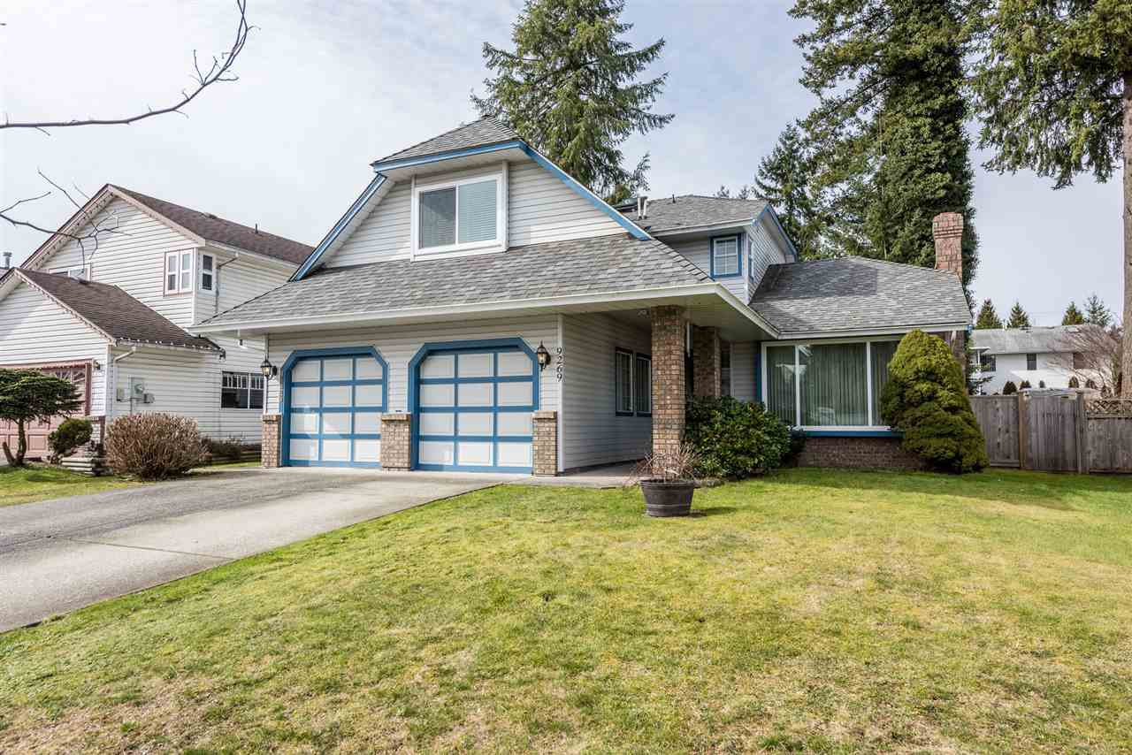 "Main Photo: 9269 152A Street in Surrey: Fleetwood Tynehead House for sale in ""Berkshire"" : MLS®# R2240790"